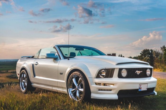 Ford Mustang white cabriolet