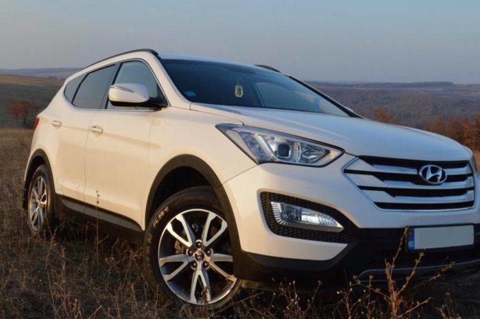 Hyundai Santa Fe white