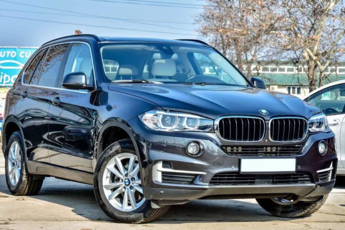 BMW X5 black (dark gray)