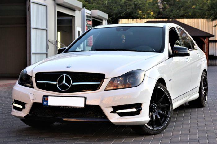 C Class W204 белый
