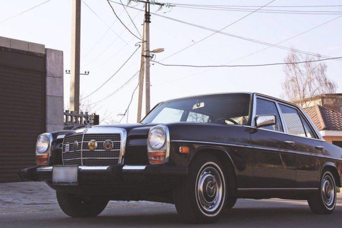 W115 (1968) black (dark blue)